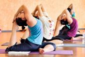 Tự tập Yoga: Lợi ít, hại nhiều