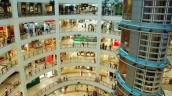 Trung tâm mua sắm truyền thống ở Mỹ thất thế