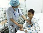 Bé trai nghi bị mẹ tiêm thuốc độc đã xuất viện