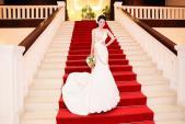 Ngắm váy cưới sexy, gợi cảm khó cưỡng của Lê Khánh