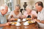 Chế độ ăn uống tích cực đối với người cao tuổi