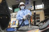 DN xăng dầu vẫn lãi đậm: Kỳ vọng giá giảm tiếp