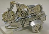 BST xe phân khối lớn mini chế từ đồng hồ đeo tay cũ