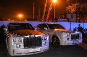 Ngắm cặp Rolls-Royce Phantom mạ vàng của đại gia Thái Nguyên