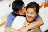 """6 cách """"hâm nóng"""" tình cảm vợ chồng"""