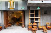 Quán cà phê ghế đẩu hấp dẫn Hồ Ngọc Hà