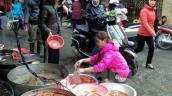 Cá chép vàng loại nhỏ đắt khách dịp Tết ông Công, ông Táo