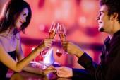 Những điều cặp đôi nên tránh vào ngày lễ tình nhân