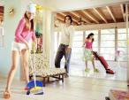 Cách lau nhà nhanh sạch, đơn giản nhất đón Tết