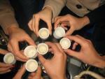 Cách uống rượu để không bị say trong những ngày Tết
