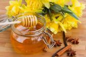 4 công dụng bất ngờ dành cho tóc từ mật ong