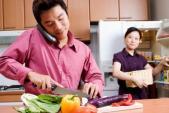 Muốn chồng phụ việc nhà, vợ phải thật ngọt ngào