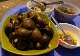 17 món ăn vặt cực thích hợp thưởng thức trong tiết trời mưa lạnh Hà Nội