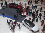 Bé 5 tuổi điều khiển xe ôtô gây tai nạn tại khu mua sắm