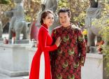Vợ chồng Minh Chánh mặc áo dài dân tộc trên đất Mỹ