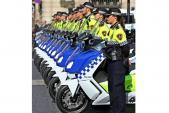 Dàn BMW maxi-scooter chất lừ của cảnh sát Barcelona