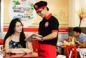 Quán ăn tặng quà xin lỗi nếu phục vụ chậm