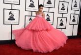 Rihanna đột nhiên phát cuồng với màu hồng