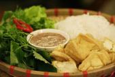 Bún đậu mắm tôm: từ vỉa hè dân dã lên nhà hàng