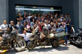 Việt Nam trong mắt cặp đôi đi môtô vòng quanh thế giới