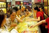 Giá vàng hôm nay 12/4: Giá vàng SJC trong nước giữ giá