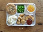 Tận mục bữa ăn bán trú của học sinh các nước