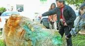 Lão nông mò được đá quý trị giá nghìn tỷ