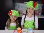 2 bé gái kiếm tiền tỷ nhờ dạy nấu ăn trên youtube