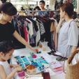 Chị em Sài Gòn sắm sửa trang phục đi nghỉ lễ