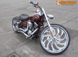 """Harley-Davidson Rocker-C độ mâm """"khủng"""" tại Hà Nội"""