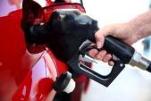 Giá xăng giảm, xe SUV bán chạy như tôm tươi
