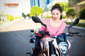 KTM Duke 390 lung linh cùng mẫu Việt dưới nắng Sài Gòn