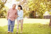 4 bí quyết tăng cường sức khỏe cho người lớn tuổi