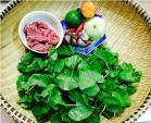 Lạ miệng với món gỏi thịt bò rau má Nam bộ
