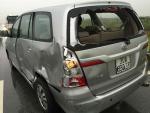 Ca sĩ Nhật Tinh Anh gặp tai nạn, bị xe tải tông mạnh