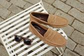 Lựa chọn giày dép cho mùa du lịch