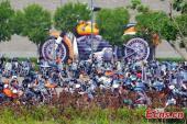 """550 xe Harley-Davidson nổ pháo, """"đại náo"""" Trung Quốc"""