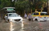 """Khắc phục  """"thủy kích"""" khi xe ô tô bị ngập nước"""