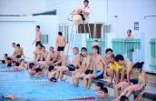 Nên đi bơi ở thời điểm nào trong ngày nắng nóng?