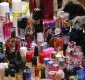 Hiểm họa từ nước hoa 40 nghìn đồng ở chợ sinh viên