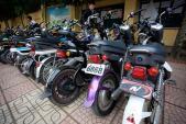 """Xe biển kiểm soát """"khủng"""" tung tăng khắp đường phố Hà Nội"""