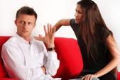 Những tật xấu của phụ nữ khiến đàn ông khó chịu