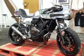 """Yamaha MT-07 """"ngược dòng"""" hoá thân cafe racer thập niên 60"""
