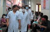 Bộ trưởng Y tế kiểm tra phòng dịch ở Tân Sơn Nhất