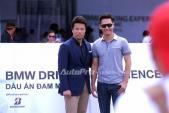 MC Phan Anh hào hứng thử drift xe BMW và MINI
