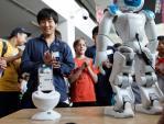 FPT dự kiến bán robot thông minh vào đầu năm 2016