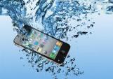 Làm gì khi điện thoại bị vô nước?