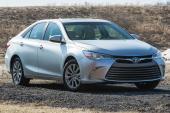 Nissan Sentra nỗ lực cạnh tranh với 'vua' sedan hạng trung Toyota Camry