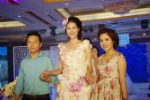 Mãn nhãn với váy kết hoa tại Luxury Bridal Fashion Show 2015