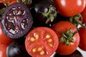 Rau quả đột biến màu sắc: Vô tư đi, sợ gì không ăn?